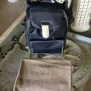 Gorgeous BOTTEGA VENETA backpack 🎒unisex
